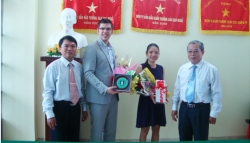 Working with representative from U.S. Consulate General in Ho Chi Minh City